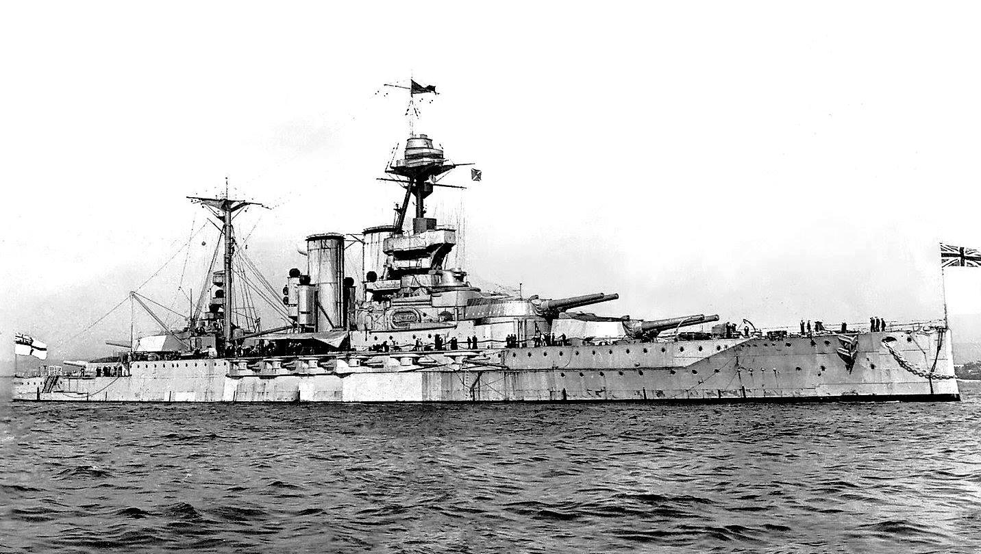 A Malaya csatahajó.