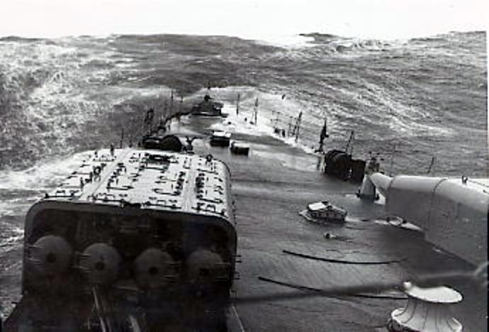 A viharos Kara-tenger, a Scheer tatfedélzetéről nézve.