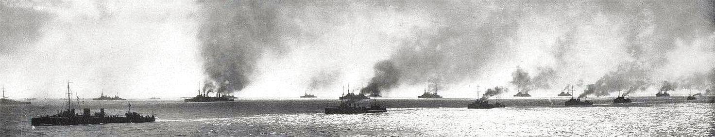 Az antant flotta a Dardanellák előtt.