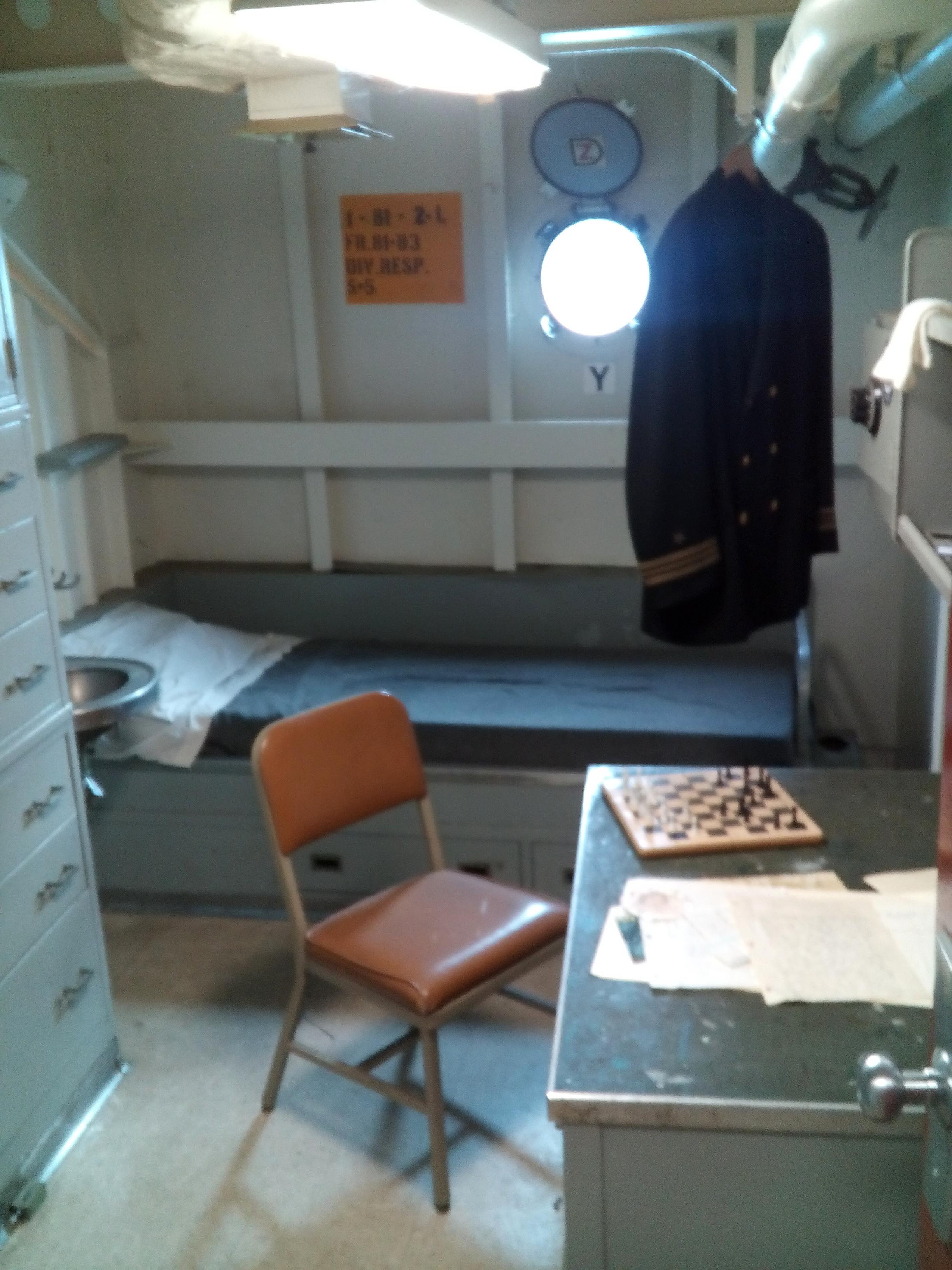 Egy tiszti kabin.