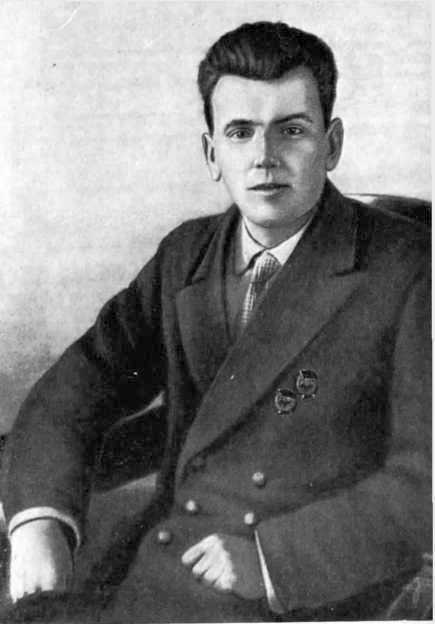 Fjodor Fjodorovics Raszkolnyikov -eredeti nevén Iljin-, a lázadás előtt a Balti Flotta parancsnoka.