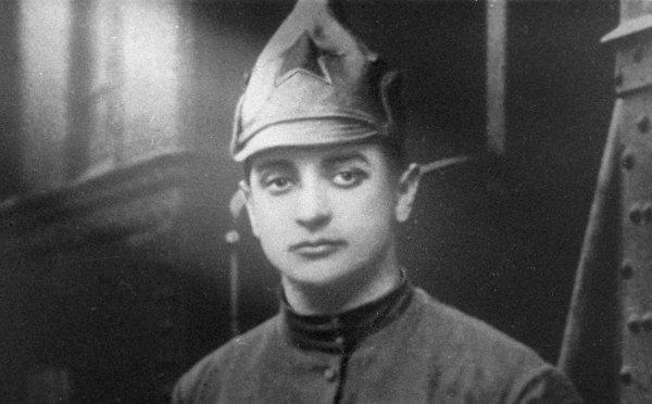 """Mihail Nyikolajevics Tuhacsevszkij, a """"vörös Napóleon"""", vagy ahogy a nyugati sajtóban szintén gyakran emlegették, a """"vörös vámpír""""."""