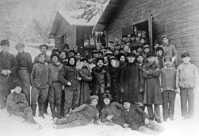 A Finnországba menekült lázadók egy csoportja.