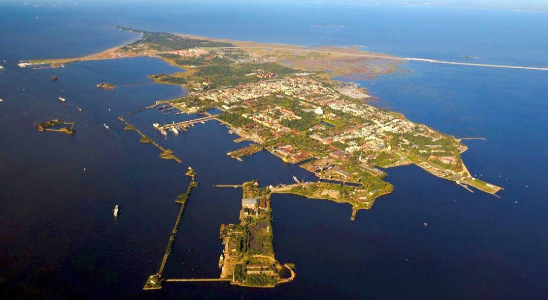 Kronstadt, és a Kotlin-sziget napjainkban.