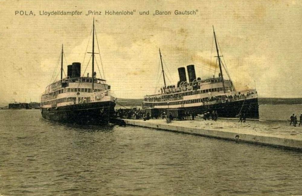 A Lloyd utasszállító flottájának két egysége, a Prinz Hohenlohe, és a Baron Gautsch.