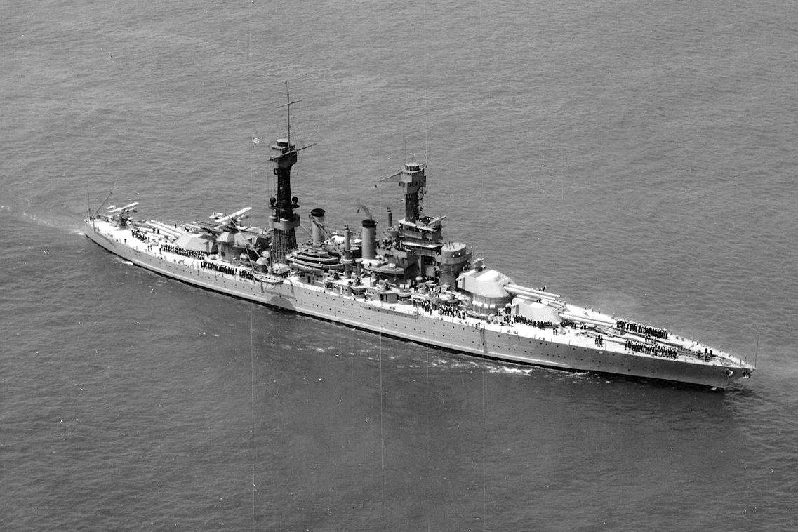 Egy Jütland után épült csatahajó, a West Virginia.