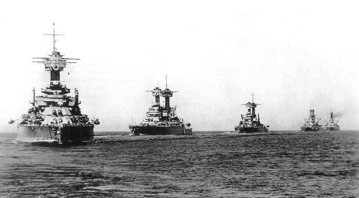 A Csendes-óceáni Flotta csatahajói gyakorlaton, a húszas évek végén.