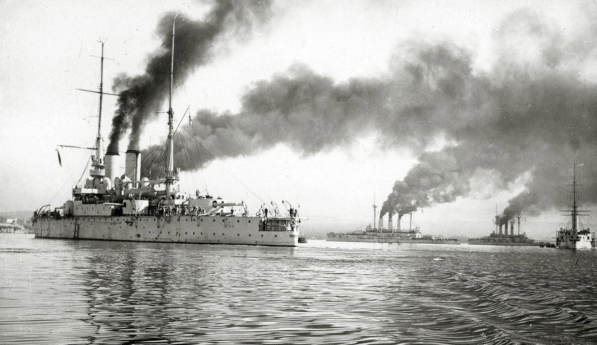 A flotta Szevasztopolban, az első világháború idején. Elöl a volt zászlóshajó, a Rosztiszlav.