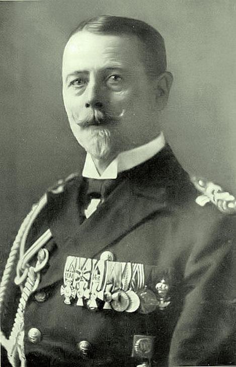 Gustav Heinrich Ernst Friedrich von Ingenohl tengernagy, a német flotta parancsnoka.