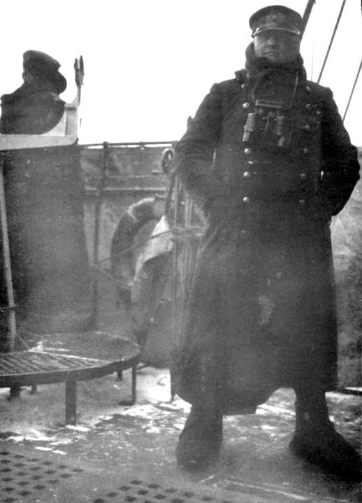 Victor Harder, itt már a Lützow csatacirkáló parancsnokaként.