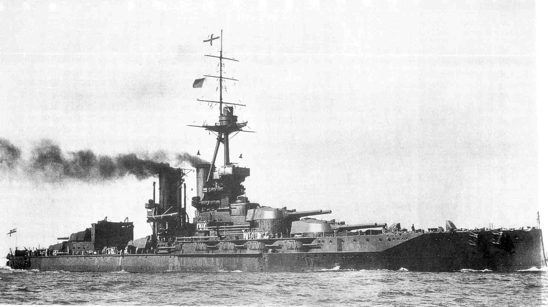 Az angol flotta zászlóshajója, az Iron Duke.