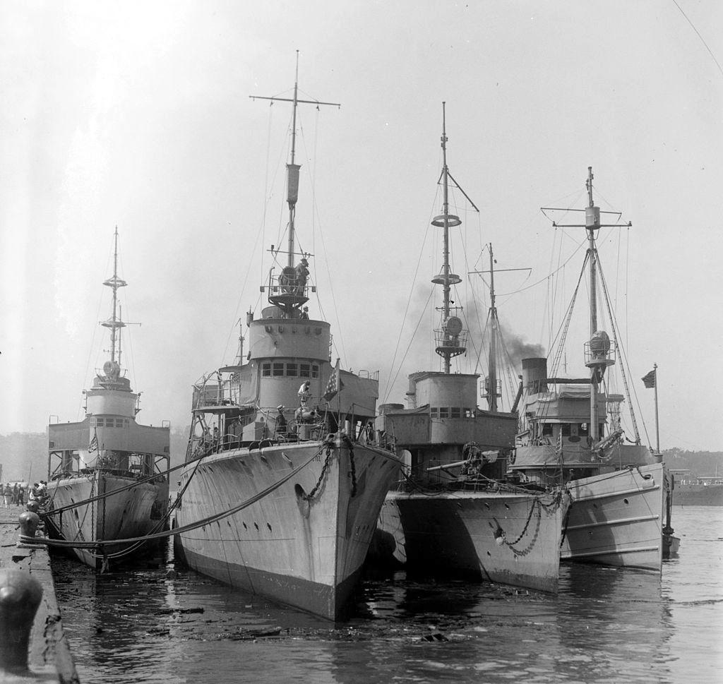 Német torpedónaszádok, már a háború után, amerikai zászló alatt.