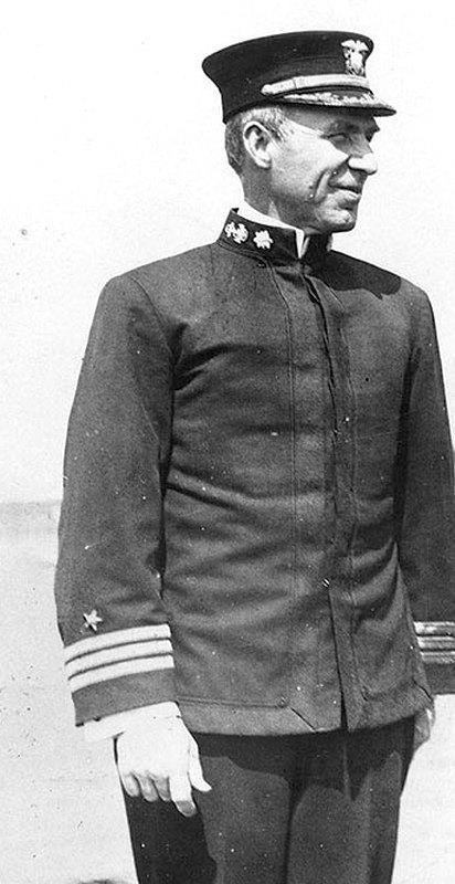 Edward Howe Watson sorhajókapitány.