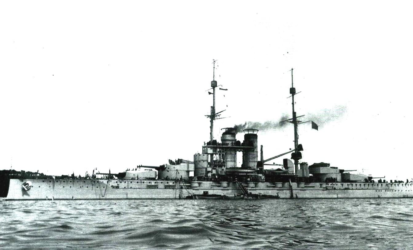 A magyar/magyarabb/legmagyarabb csatahajó.