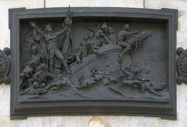 Ahogy a korabeli francia propaganda elképzelte. A Vengeur legénysége inkább elsüllyed a hajóval együtt, minthogy megadják magukat az angoloknak. Dombormű a párizsi Köztársaság-téren.