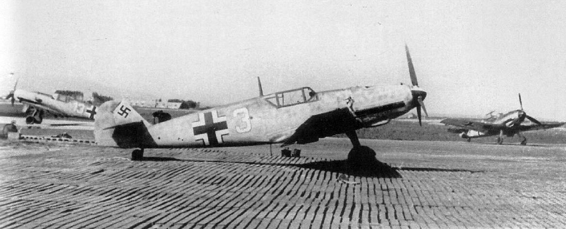 Me-109T vadászgépek a norvégiai Vaernes repülőterén, 1941-ben.