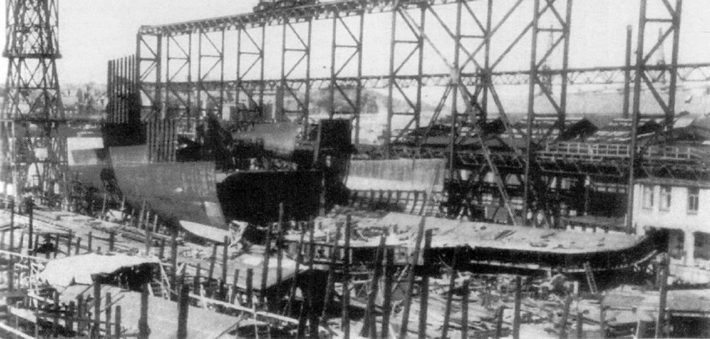 A második anyahajóból elkészült részek, az építkezés leállítása után.