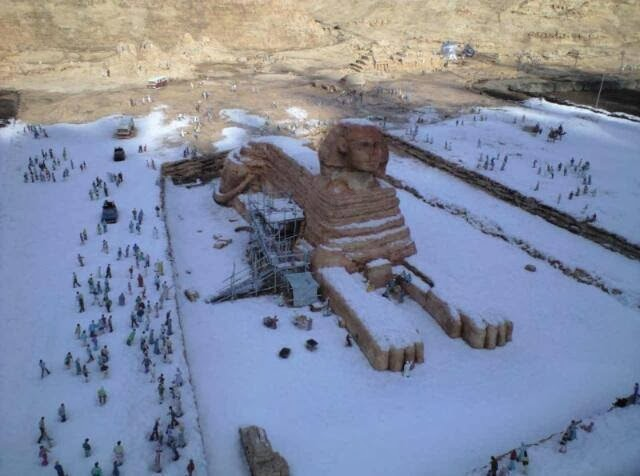 Sphinx in snow.jpg