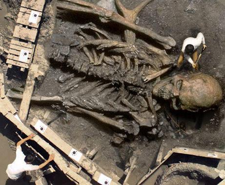 giant_skeleton_hoax_01.jpg