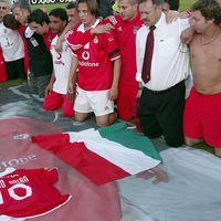 Magyar és portugál futballszurkolók emlékeztek meg Fehér Miklósról.