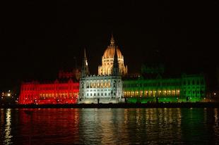 Nem kormány-, hanem rendszerváltásra van szüksége Magyarországnak.