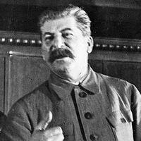 419. A velünk élő Sztálin