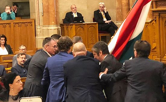 hadhazy_parlament2019.jpg