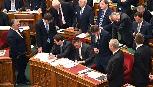 parlament2018_botrany3.jpg