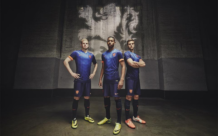 Netherlands 2014 World Cup Away Kit.jpg