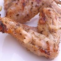 Sörben pácolt csirke szárnyak, mézes, fűszeres módon - grillen