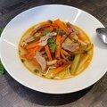 Savanyú, zöldséges kacsamell leves