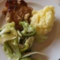 Csirkecombok fokhagymás, mustáros mártásban sütve