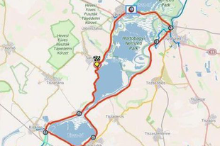 Tisza-tó 2.0: 68 km-es tekerés a barátokkal, süllőpofa és harcsagyros a Stégnél, görög-magyar bográcsgulyás Sarudon
