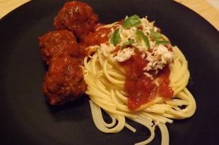 Nápolyi húsgombócok spagettivel