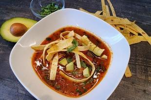 Sopa de tortilla con pollo - Csirkés tortilla leves