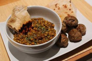 Bengáli lencse dhal (dahl), citromfüves húsgolyókkal és chapatival