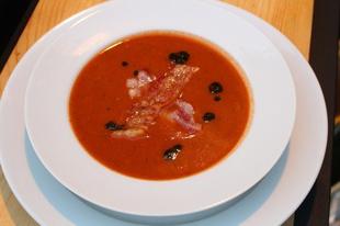 Lehet-e grillen levest készíteni? Hát hogy a viharba ne... - avagy Grillezett paradicsom krémleves fokhagymával és bazsalikommal