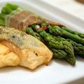 Gyors vacsorák I. Lazacfilé serranoi sonkába csavart zöldspárgával