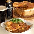 Videorecept: Guinness sörrel főtt marharaguval és cheddar sajttal töltött pite (Beef and Guinness Stew)