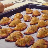Empanadita almás, cheddar sajtos, csirkés töltelékkel
