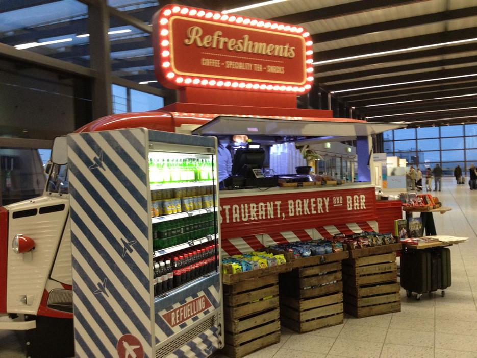 53e2db0ddddaa35c30f60706_7-jamie-oliver-gatwick-airport-food.jpg
