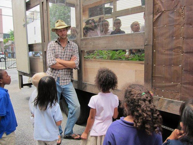Mobile-greenhouse-kids.jpg.650x0_q85_crop-smart.jpg