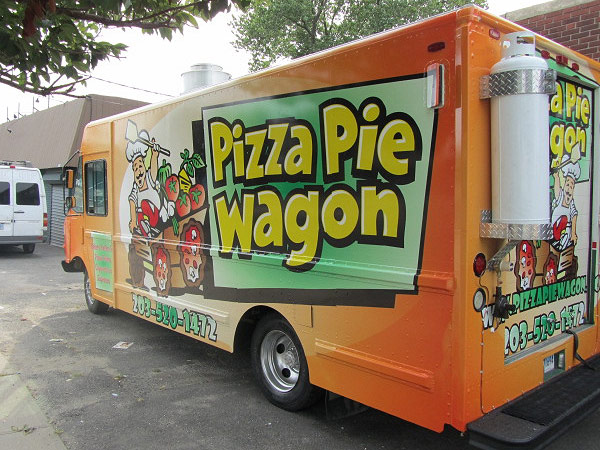 gallery-large-pizza-truck.jpg