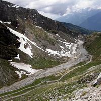 Luxus síparadicsom épülhet a Himalájában. Henry Ford dédunokája még krisnás korában ismerte meg a helyet és a projekt mai vezetőjét