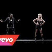 will.i.am feat. Britney Spears - Scream & Shout     ♪