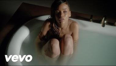 Rihanna feat. Mikky Ekko - Stay     ♪