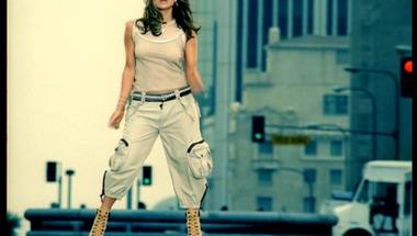 Jennifer Lopez - Jenny from the Block    ♪