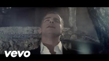 Eros Ramazzotti - Un'Emozione Per Sempre    ♪