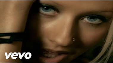 Christina Aguilera - Beautiful     ♪