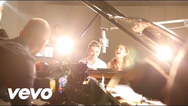 Ariana Grande & Nathan Sykes - Almost Is Never Enough     ♪